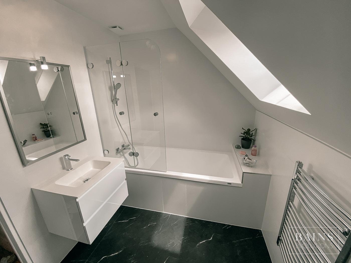 Salle de bain Blanche et Ardoise 91