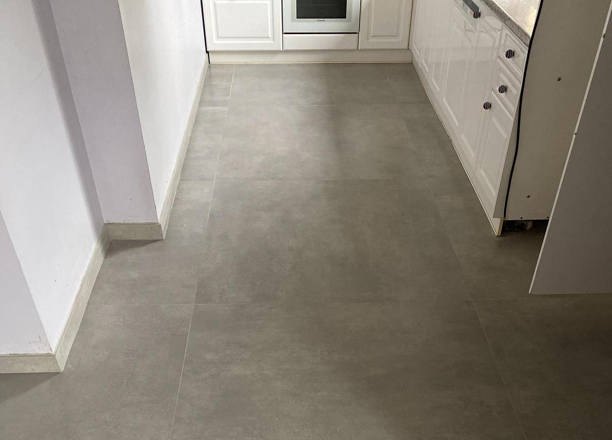 Pose Carrelage - Grand Carreaux rectifié gris effet béton -